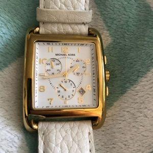 💯 Authentic Michael Kors watch